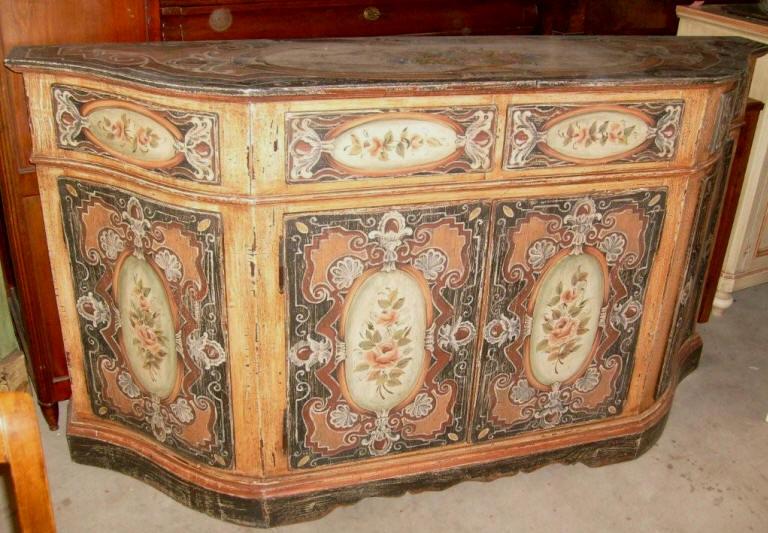I prodotti credenze for Asta mobili antichi